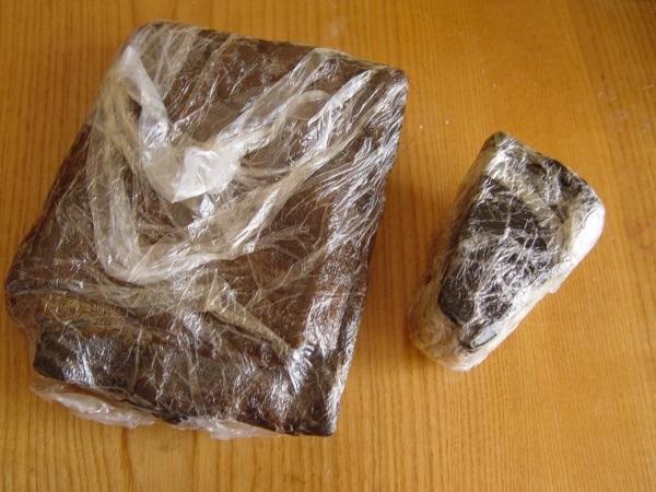 Куски озокерита