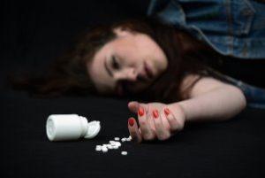 у девушки передозировка таблетками
