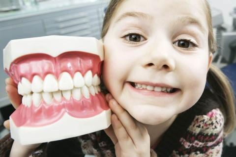 Плюсы фторирования молочных зубов у детей