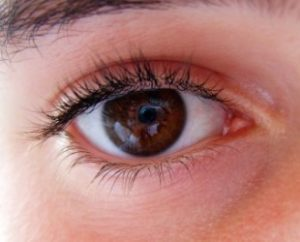 Понижаем глазное давление в домашних условиях