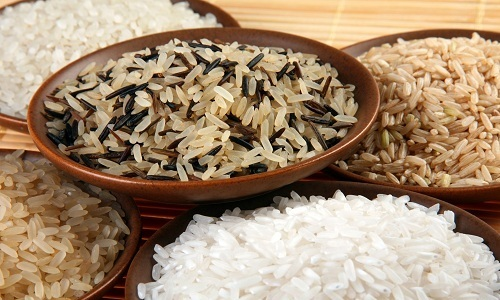 Людям, страдающим от панкреатита, особенно полезна рисовая каша: такая пища хорошо помогает утолить голод и не вредит пищеварительной системе