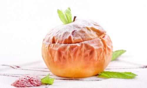 В качестве перекуса на второй завтрак и полдник при такой диете используется запеченное яблоко