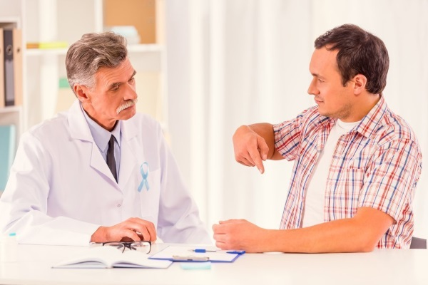 На консультации у уролога-андролога по поводу простатита