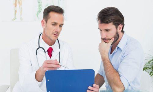 При приступе, сопровождающемся болевыми ощущениями в верхней части живота и возникающем после употребления острой, жирной пищи и алкоголя, рекомендуется незамедлительно обратиться к врачу, лечащему панкреатит