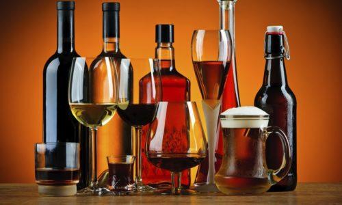 К факторам риска в 95% случаях относится прием алкогольных напитков