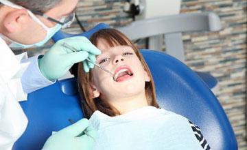 Чем опасен флюс молочных зубов у детей лечение, симптомы и профилактика