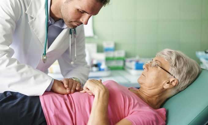 Наблюдается увеличение поджелудочной железы, обнаруживаемое при пальпации брюшной области