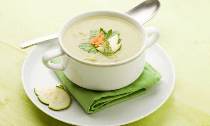 Диетический суп-пюре - отличный вариант для тех, кто страдает от хронического панкреатита