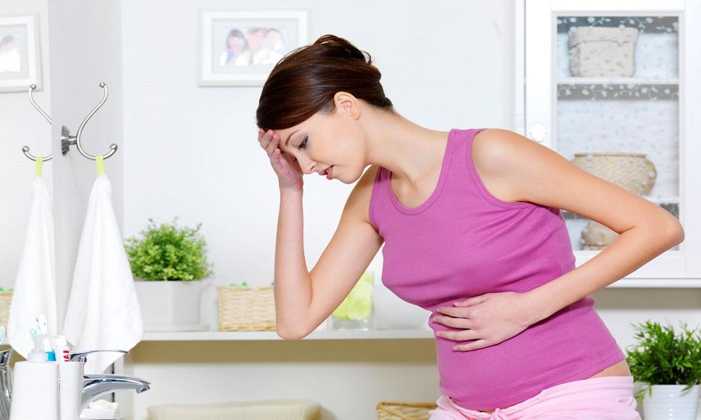 Панкреатит при беременности опасен развитием осложнений, которые могут привести к преждевременным родам или к самопроизвольному выкидышу на ранних сроках