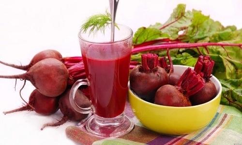 Полезен при панкреатите свекольный сок. В его составе много калия, цинка, меди, йода и железа