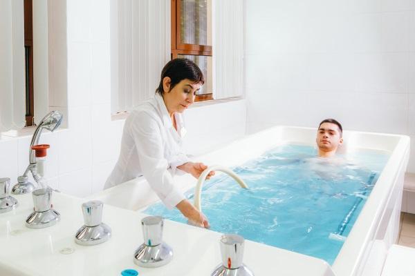 Лечебная минеральная ванна