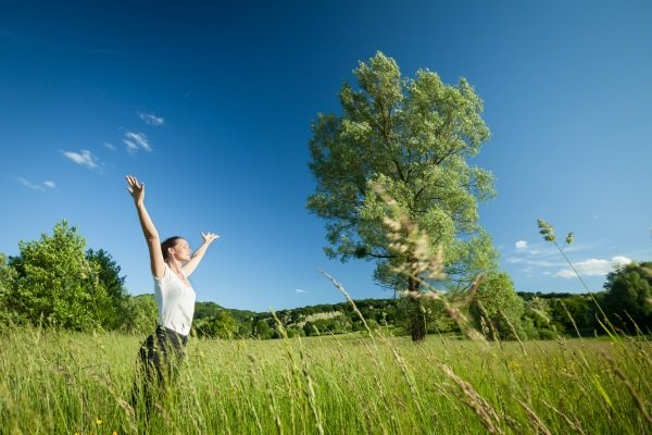 Воздействие на организм открытого свежего воздуха с лечебной и профилактической целью