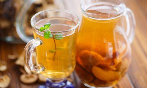В период острого панкреатита компот можно пить, процедив жидкость сквозь сито