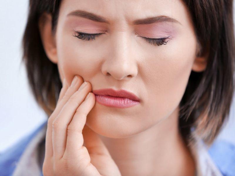 Препараты и травы чем полоскать рот при стоматите.