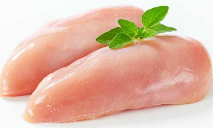 Для приготовления холодца из курицы необходимо филе куриной грудки