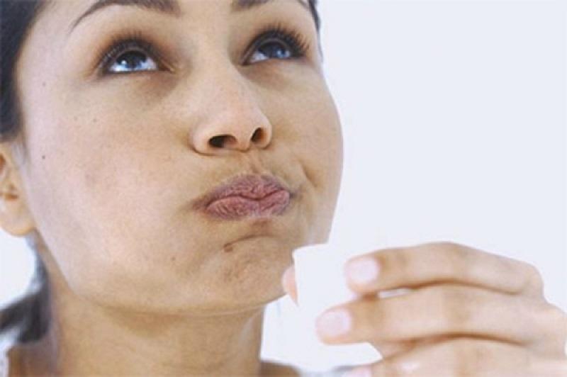Что нужно знать при отбеливании зубов перикисью водорода в домашних условиях? Когда этого делать нельзя