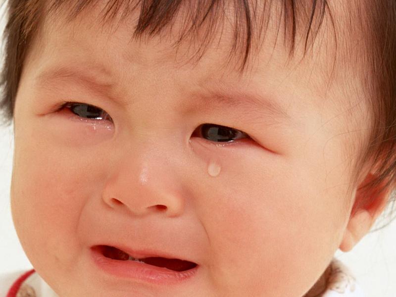 Отчего может быть воспаление десен у ребенка, и как его лечить. Почему повышается температура