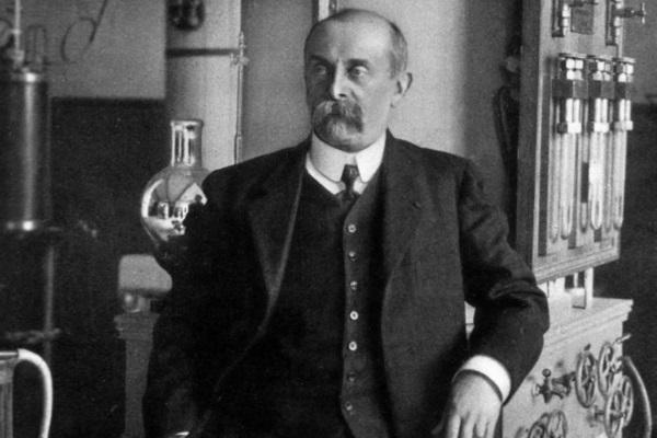 Физик и физиолог Арсен д'Арсонваль