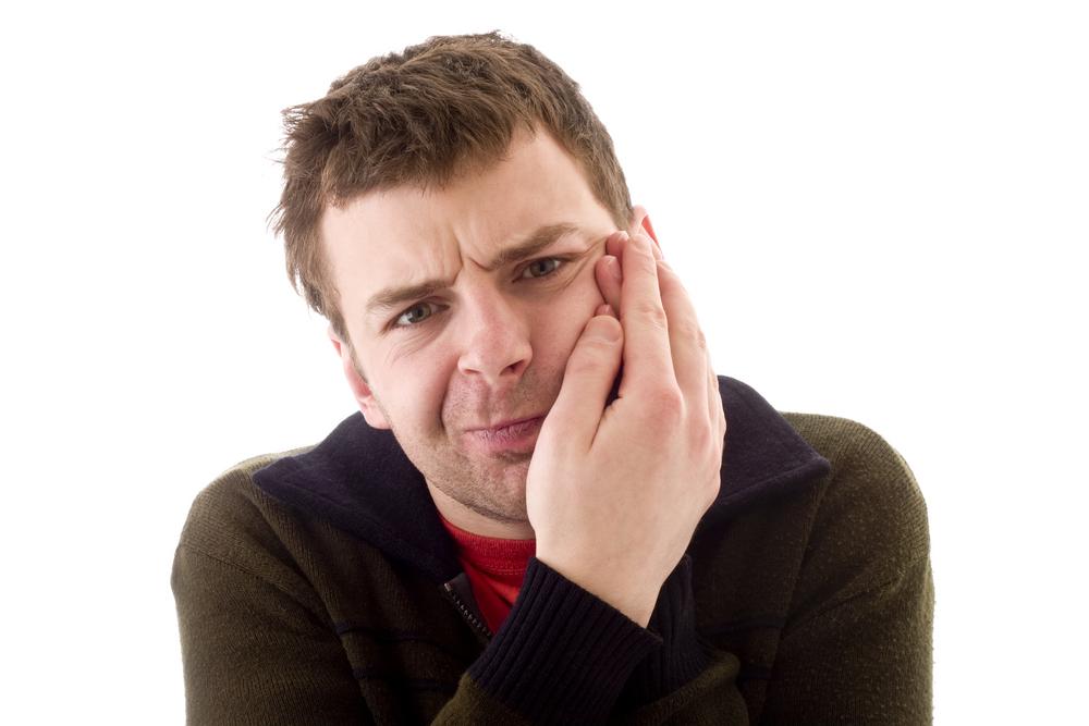 Что делать когда болит зуб мудрости. Узнаём, как снять неприятные ощущения