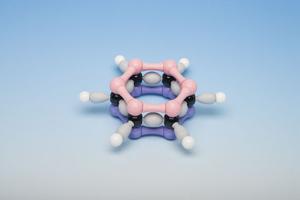 как выглядит молекула бензола