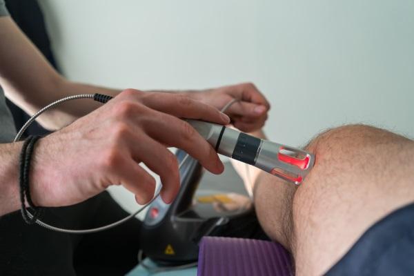 Лазерная терапия при патологиях коленного сустава