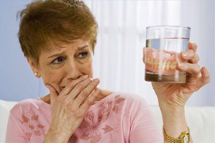 Как быстро привыкнуть к съемным зубным протезам жизнь со вставными зубами