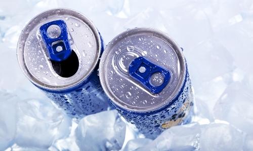энергетические напитки во льду