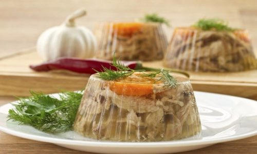 Принимая в пищу холодец при панкреатите, многие больные не задумываются о последствиях подобной диеты для здоровья