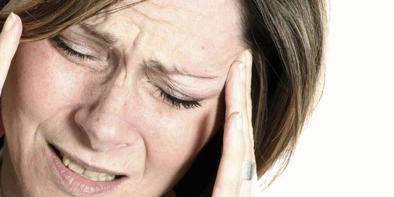 Почему болит голова после удаления зуба мудрости. Как устранить болевые ощущения