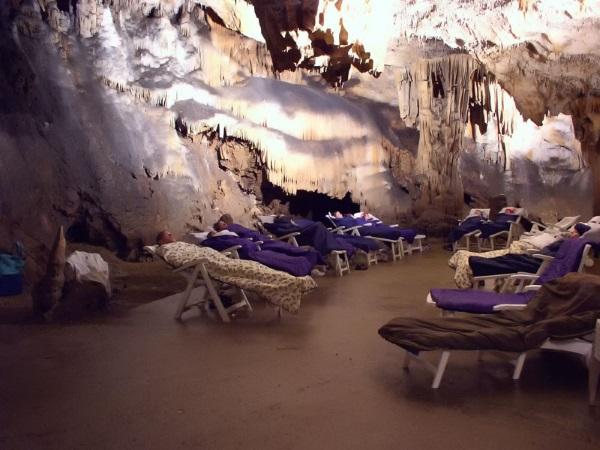 Естественная соляная пещера