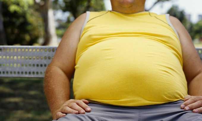 По мере развития патологии у больного также могут наблюдаться вздутие живота, обусловленное усилением процессов гниения в кишечнике