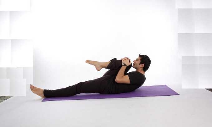 «Паван муктасана» упражнение из йоги для укрепления мышц брюшного пресса