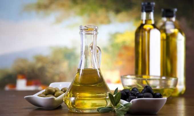 Для лучшего усвоения каротина в блюда можно добавлять немного подсолнечного, оливкового или льняного масла