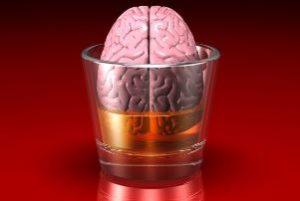 мозг в стакане с алкоголем