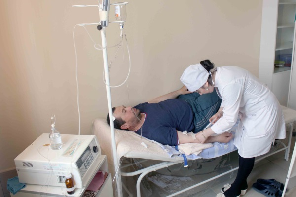 Озонотерапию проводят с помощью специальных аппаратов