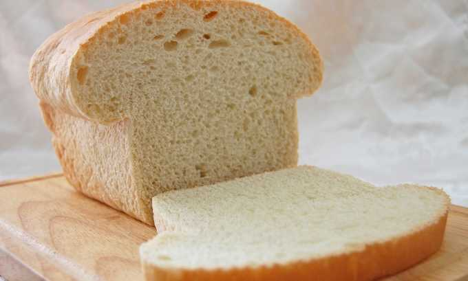 Из хлебобулочных изделий запрещается свежий хлеб