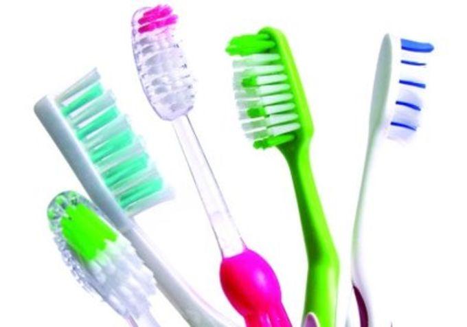 Как часто и как правильно чистить зубы. Обзор методов и советы по выбору средств