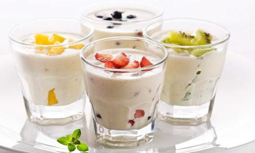 Допустимы перекусы в виде йогурта, простокваши или кефира
