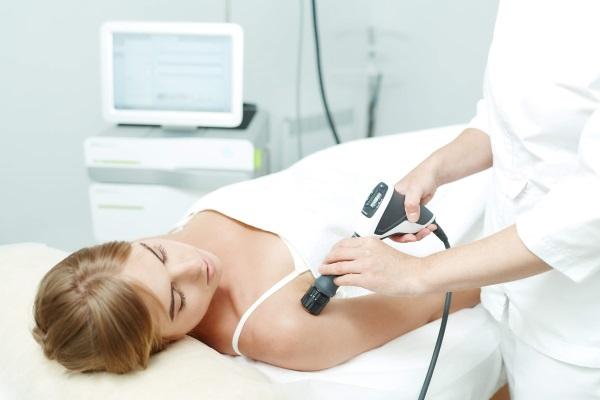 Ударно-волновая терапия на область плечевого сустава