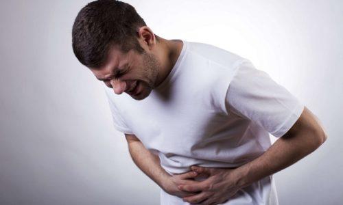 Обострение панкреатита сопровождается спастическими болями в брюшной области