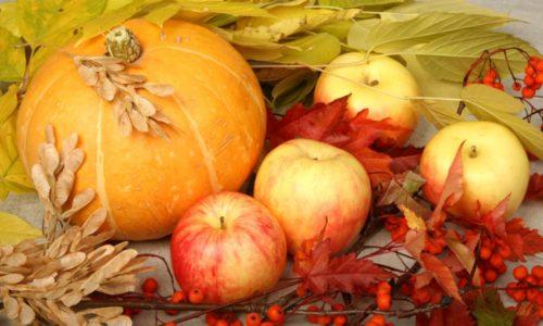Вкусный и легкий десерт из тыквы и яблок разнообразит диету