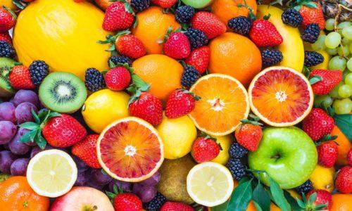 После снятия острых симптомов рацион пациента расширяется введением в меню свежих фруктов